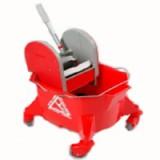 11/05 Kentucky Mop Bucket & Wringer